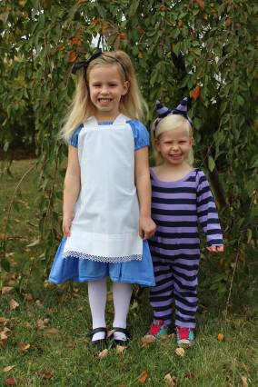 alice and cat costumes